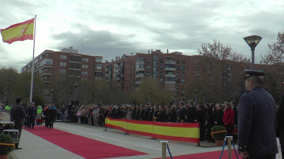 Homenaje a la bandera de España en Alcorcón.