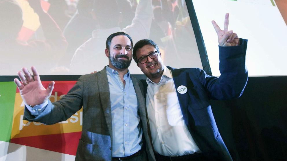 Santi Abascal con el candidato a la presidencia de la Junta de Andalucía, Francisco Serrano.