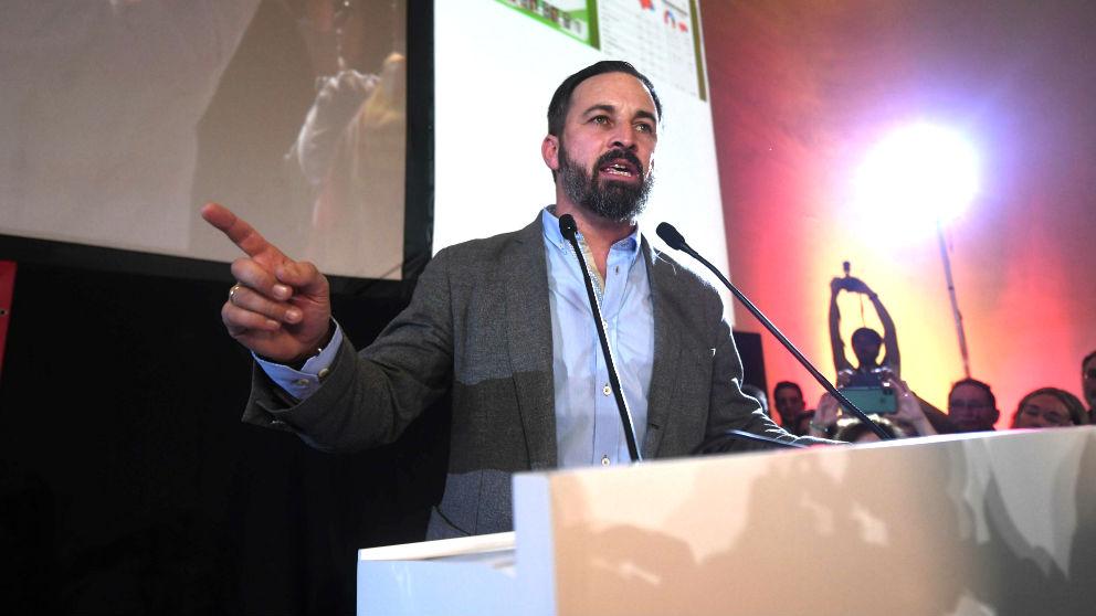 Abascal en su intervención para valorar los resultados, esta noche en Sevilla (Foto: EFE).