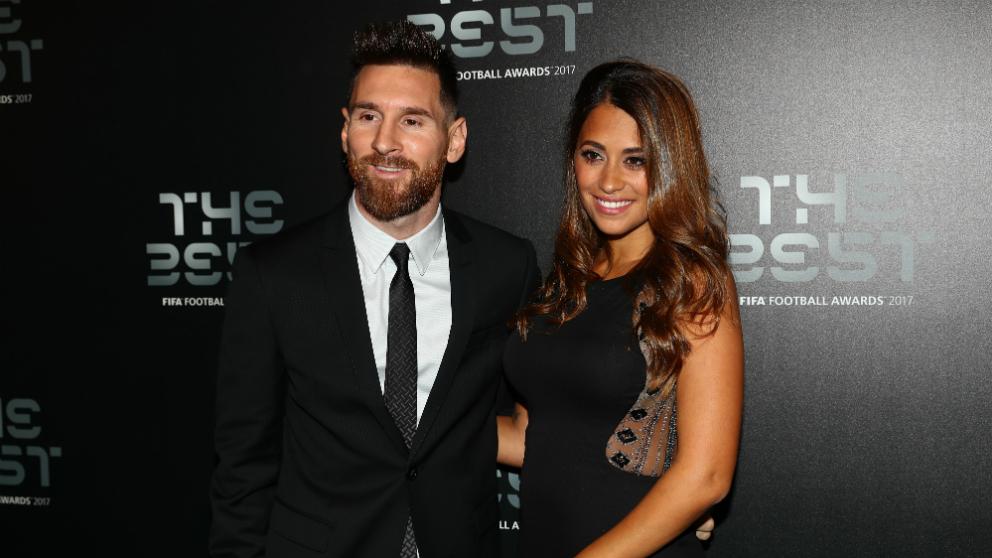 Leo Messi junto a Antonela Roccuzzo. (Getty)