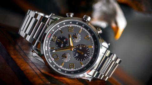 Los relojes de acero se pueden pintar de diversos colores
