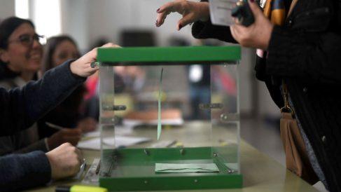 Una de las urnas utilizadas para las elecciones de Andalucía del 2D