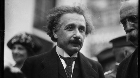 Descubre más sobre la polémica de Albert Einstein y la existencia de Dios