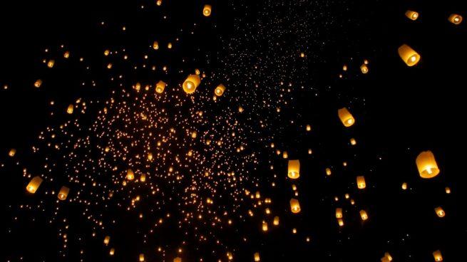 lámparas voladoras de papel