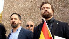 Santiago Abascal e Iván Espinosa en la Plaza de Colón. (F: Enrique Falcón)