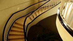 Bebé de 4 meses fallece al caer por las escaleras con su padre
