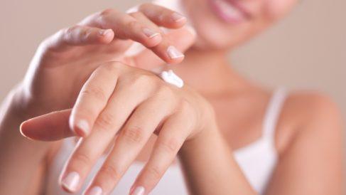 Exfoliar las manos con frecuencia es importante para tenerlas en buen estado