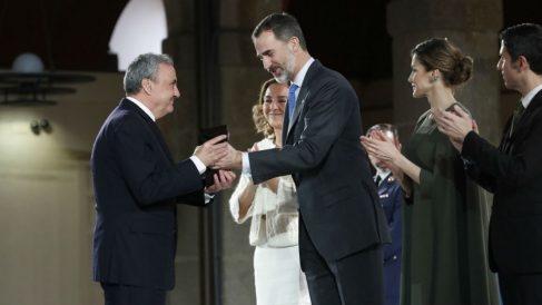 El Rey entrega el Premio Nacional_Innovacion y Diseno a Cosentino