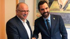 Roger Torrent, se ha reunido este martes con uno de los vicepresidentes del Parlamento Europeo, Dimitrios Papadimoulis. Foto: Europa Press