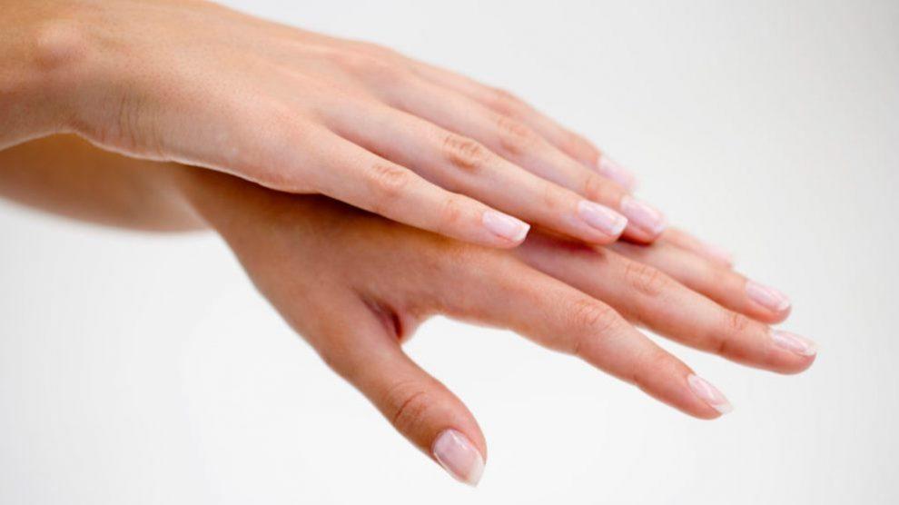 La parafina es excelente para aplicar en las manos