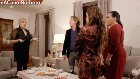Bárbara Rey recibe a sus invitados en 'Ven a cenar conmigo: Gourmet Edition'