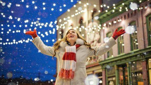 Disfrutar de la iluminación navideña, planes para pasar la Navidad con niños