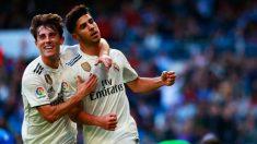 Asensio celebra junto a Odriozola uno de sus goles. (Getty)