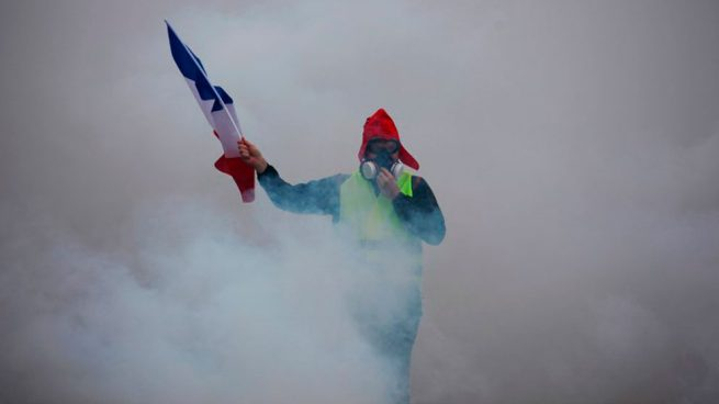 protestas-en-paris-carburantes-chaleco-amarillo