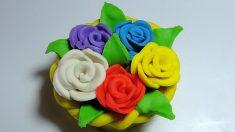 Las flores de plastilina son una manualidad muy divertida