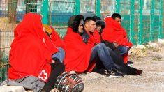 Inmigrantes rescatados por Salvamento Marítimo (Foto: EFE).