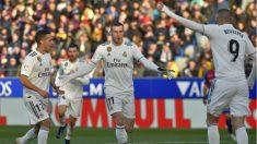 El Real Madrid sigue a cinco del Barcelona. (AFP)