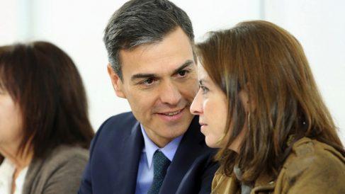 Pedro Sánchez con Adriana Lastra. (Foto. PSOE)