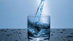 El agua de mineralización de agua es una opción fantástica para mantener el organismo bien hidratado