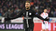 Neymar celebra su gol ante el Estrella Roja (AFP).