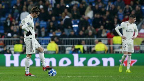 Bale y Valverde se lamentan tras un gol del CSKA. (Getty)
