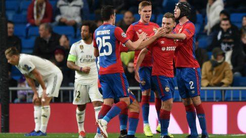 Los jugadores del CSKA celebran uno de los goles contra el Real Madrid. (Getty)