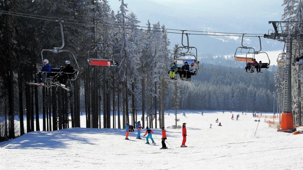 Las mejores estaciones españolas de esquí para disfrutar de la Navidad con niños