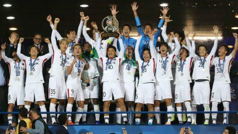 Los jugadores del Kashima celebran el título de la AFC Champions League. (AFP)