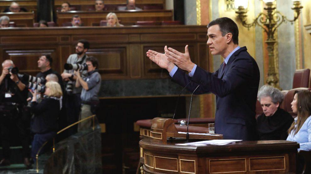 El presidente del Gobierno, Pedro Sánchez, durante su comparecencia en el Congreso para explicar la postura del Gobierno sobre la situación en Cataluña. (Foto: Efe)