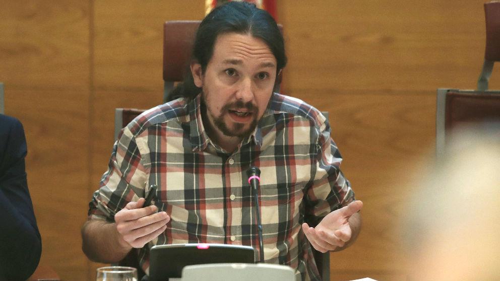 El secretario general de Podemos, Pablo Iglesias, comparece en la Comisión de investigación sobre la financiación de los partidos políticos, esta mañana en el Senado. (Foto: Efe)