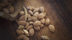 Las almendras le aportan muchos beneficios a tu piel