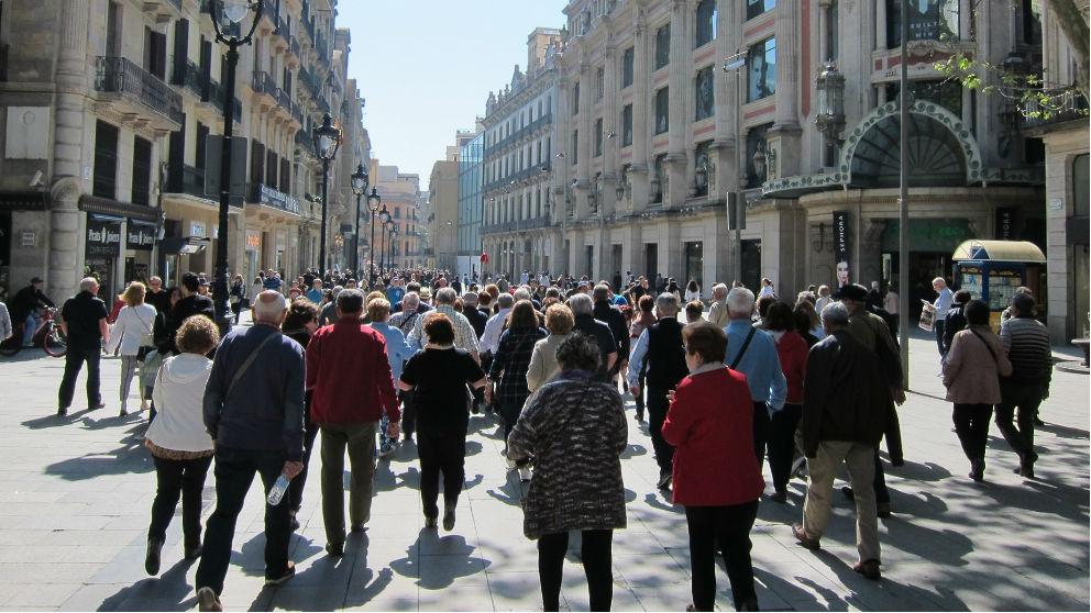 Gente paseando por la calle. Foto: Europa Press