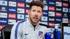 Simeone analiza el partido ante el Valladolid en sala de prensa. (EFE)