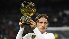 Modric con el Balón de oro (AFP)