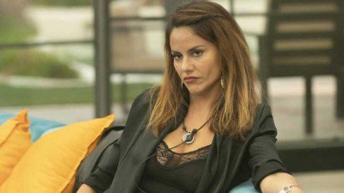 Mónica se sienta en 'Sábado Deluxe'