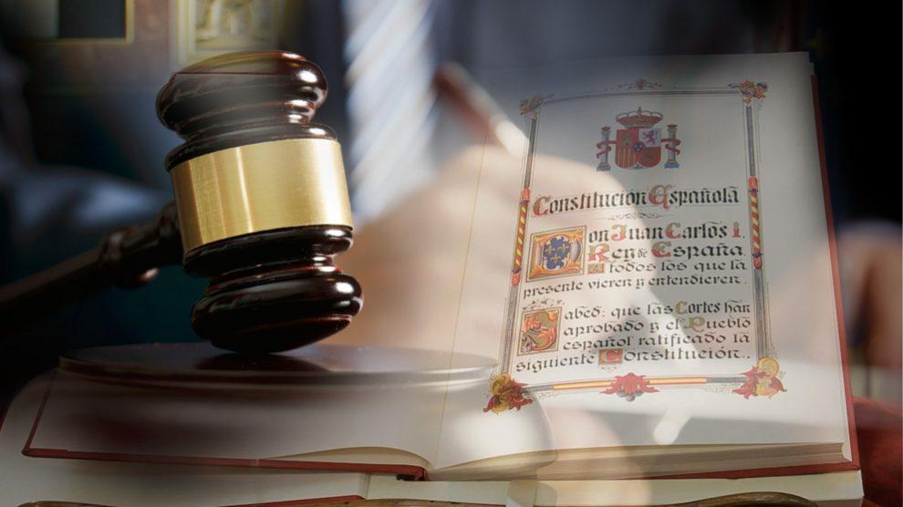 El artículo 20 de la Constitución española ampara el secreto profesional de los periodistas.