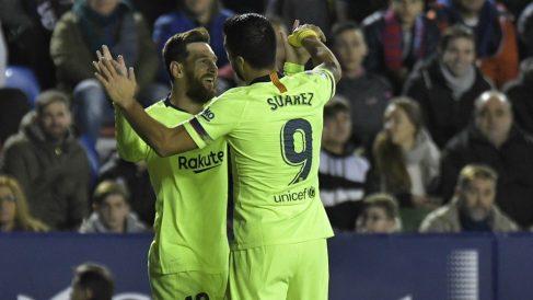 Messi y Suárez celebran un gol. (AFP)