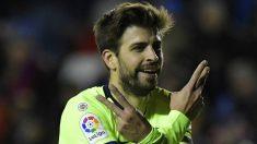 Piqué celebra su gol al Levante. (AFP)