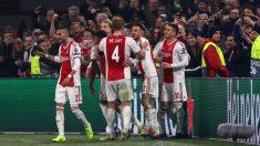 Los jugadores del Ajax celebran un gol. (Getty)