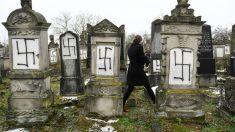 Tumbas de judíos con símbolos nazis cerca de Estrasburgo (Foto: AFP)