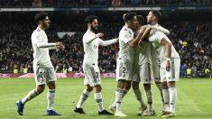 La plantilla del Real Madrid celebra un gol, en el Bernabéu (AFP).