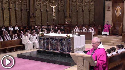 Un monje separatista de la Abadía de Montserrat, el Padre Bernabé Dalmau, cita al padre de Oriol Junqueras durante la homilía del pasado domingo