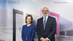 Cristina Ruiz, Consejera Directora general de TI de Indra y Fernando Abril-Martorell, presidente de Indra.