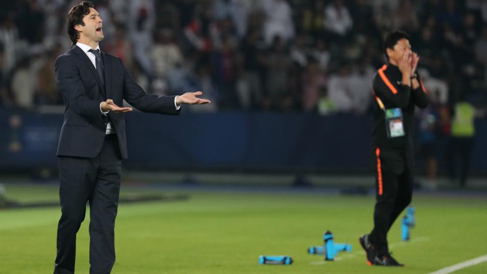 Solari, durante el partido ante el Kashima. (AFP)
