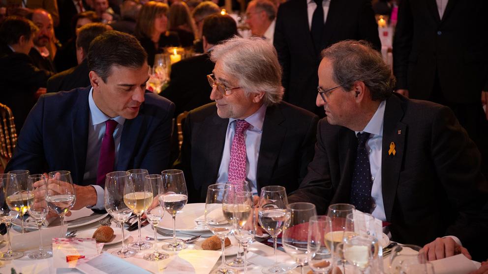 Pedro Sánchez y Quim Torra han compartido mesa en la cena que ha organizado Fomento del Trabajo. Foto: Europa Press