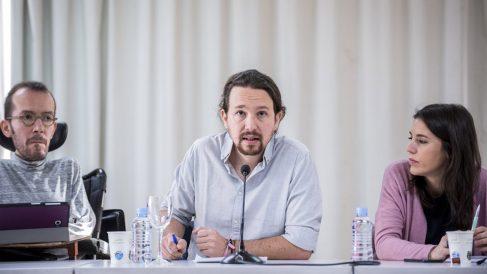 Pablo Iglesias, líder de Podemos, junto a altos cargos del partido Irene Montero y Pablo Echenique. Foto: Europa Press