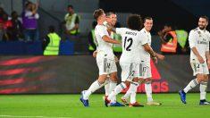 Los jugadores del Madrid celebran el segundo gol ante el Al Ain, obra de Llorente. (AFP)