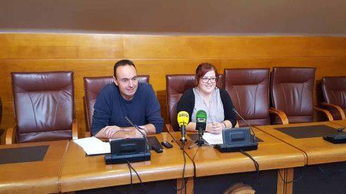 José Ramón Blanco y Verónica Ordóñez de Podemos Cantabria. Foto: EP