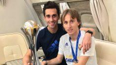 Arbeloa y Modric, junto al Mundial de Clubes.