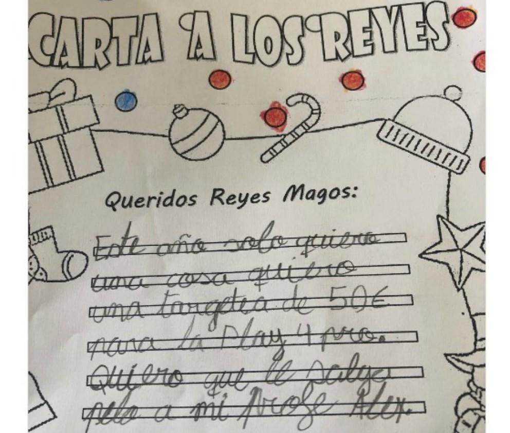 Se hace viral la carta de un niño a los Reyes Magos en la que incluye a su maestro
